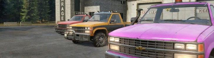 Фото трех машин с цветовыми изменениями в СноуРаннер